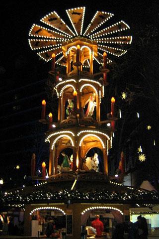 Wallpaper Weihnachtspyramide Potsdamer Platz, Vorschaubild/Preview JPG 320x480 Pixel